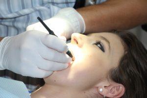 ortodoncia invisible medidas 300x200 Ortodoncia invisible. Adiós, brackets tradicionales. Bienvenida, sonrisa