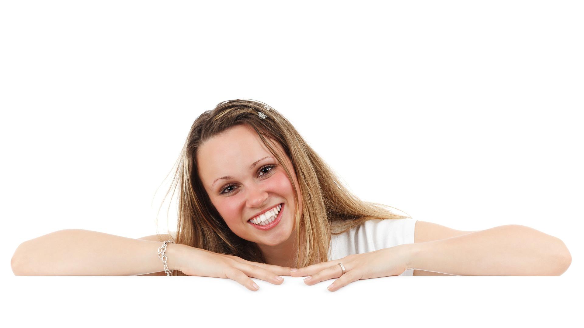 carillas dentales sonrisa perfecta ¿Qué son las fundas dentales y para qué sirven?